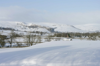 Kilnsey crag and heavy snow