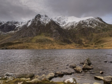 East ridge of Y Garn with Llyn Idwal in foreground