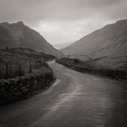 The road to Nantlle from Rhyd Ddu in winter